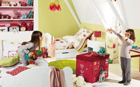 Як обладнати безпечну і комфортну дитячу кімнату?