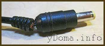 Фотографія перетертого дроти адаптера