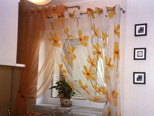 Як вибрати короткі штори на кухню: фото в інтер`єрі