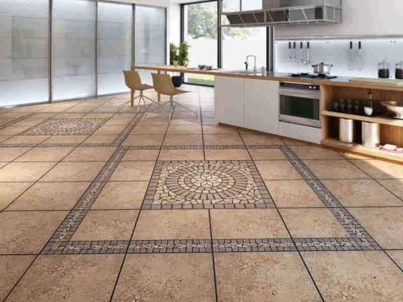 Як виконується облицювання керамічною плиткою поверхні підлоги?