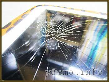 Фото тріщин розбитого скла планшета MonsterPad