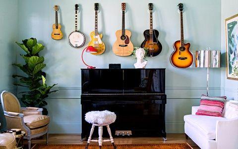 Музичні інструменти в декорі квартири: кілька стильних ідей