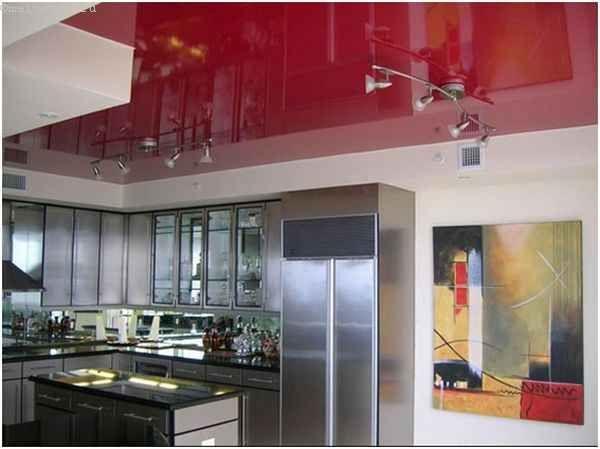 Червоні натяжні стелі для кухні
