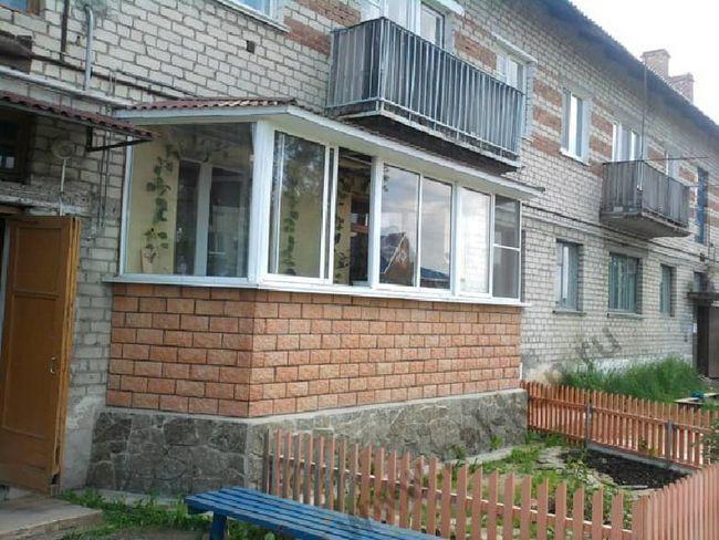 Будуємо балкон на першому поверсі: як зробити це правильно