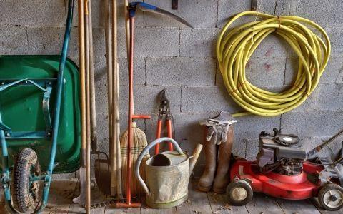 Легкий підхід до генерального прибирання - садовий інструмент!