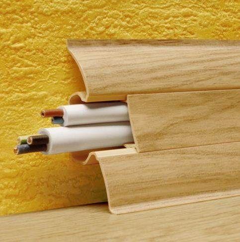 Структура пластикових рейок дозволяє витончено і легко приховати проводку і комунікації.