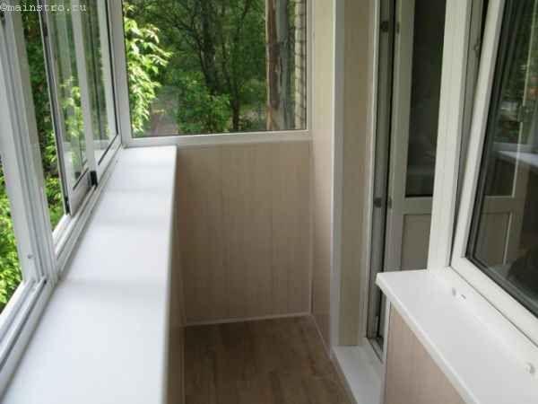 Засклення балконів і лоджій з виносом