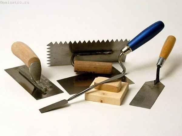 Вирівнювання стелі штукатуркою і шпаклівкою - важливі етапи роботи